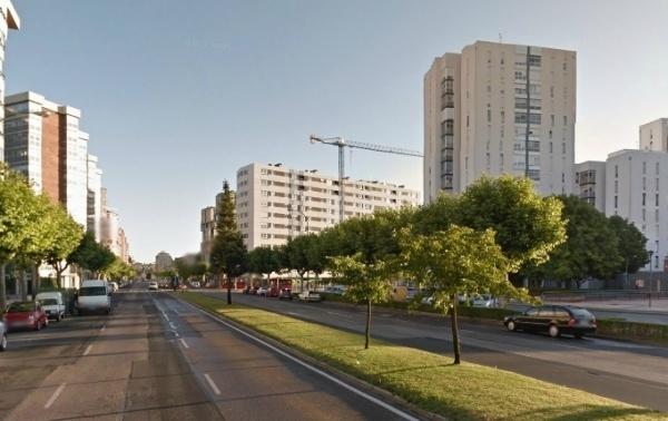 Nuestro querido gobierno se gasta nuestro dinero en eliminar zonas verdes en Burgos 20131031_143733_Avenida%20Cantabria%201