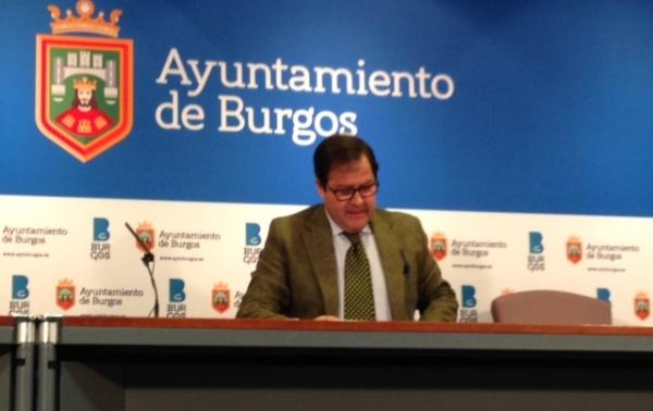 Salvador de Foronda comparece tras la Comisión de Hacienda