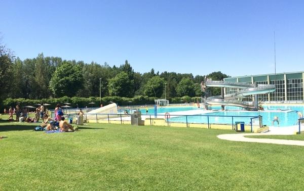 De la fuente satisfecha con la ocupaci n de las piscinas for Piscinas ubierna burgos